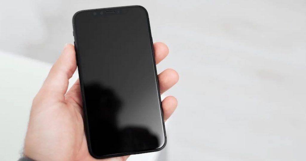 telefono ekranas juodas nerodo vaizdo
